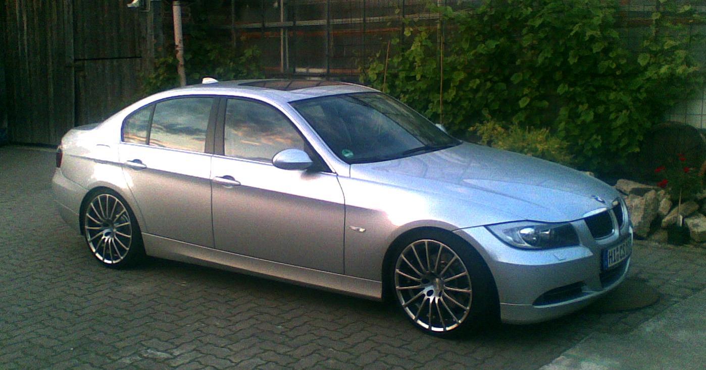 BMW - E90 - 330i